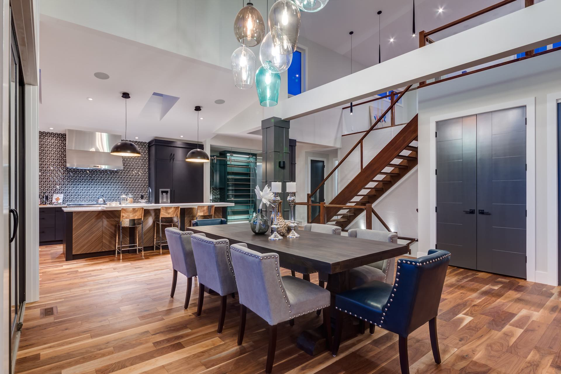 Calgary Luxury Renovations - Silverhorn 10 Kitchen